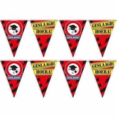 2x feestartikelen geslaagd vlaggenlijntje/slingertje 10 m waarschuwin