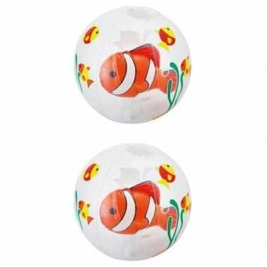 2x opblaasbare ballen doorschijnend met vis 61 cm buitenspeelgoed