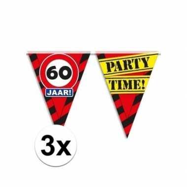 3x decoratie vlaggenlijn verkeersbord 60 jaar