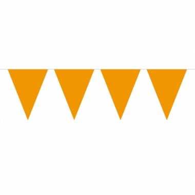 Groot formaat oranje slingers