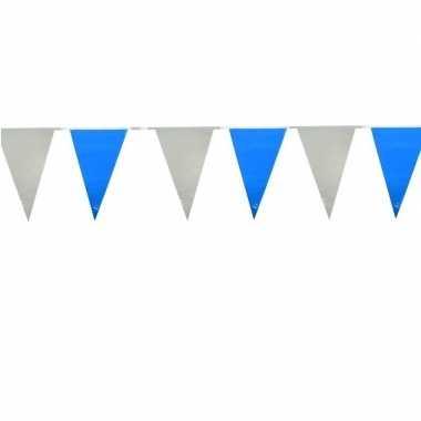 Lichtblauw/witte vlaggetjes