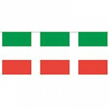 Papieren vlaggenlijnen italie