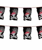 2x stuks piraten vlaggetjes slingers met doodshoofden