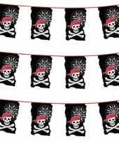 3x stuks piraten vlaggetjes slingers met doodshoofden