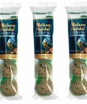 3x zakken vogelvoer mezenbollen plus proteine zak met 4 stuks